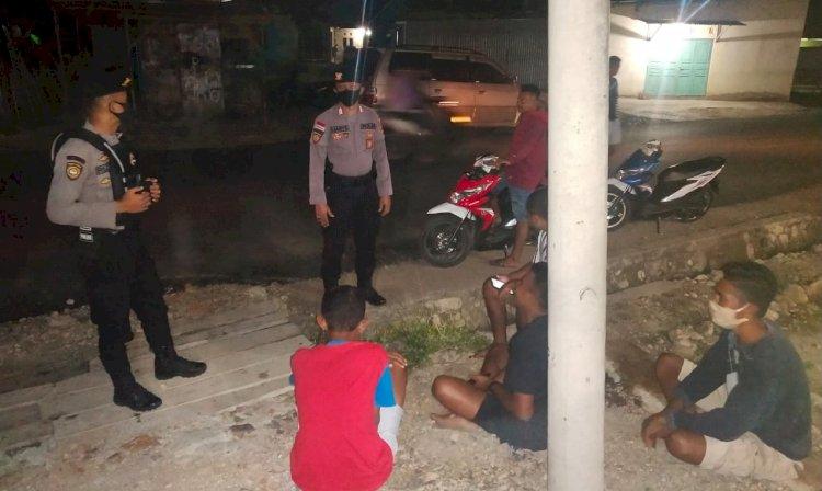 Temui Sekelompok Pemuda Saat Patroli, Anggota Dalmas Polres Belu Tegaskan  STOP Ngumpul-ngumpul di Tengah Pandemi Covid-19!