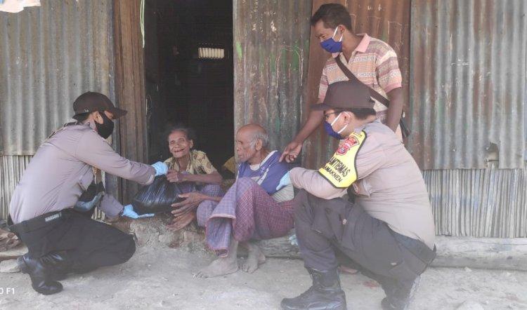 Bakti Sosial Polri di Tengah Covid-19, Polsek Lamaknen Salurkan Sembako untuk Lansia dan Warga Kurang Mampu