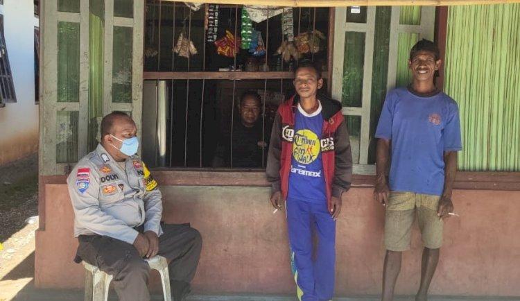 Di Tengah Pandemi Covid-19, BRIPKA Dolfi Imbau Warga Jaga Jarak dan Pakai Masker Saat Keluar Rumah