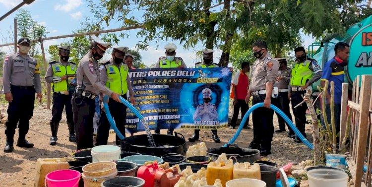Operasi Zebra Turangga 2020, Sat Lantas Polres Belu Salurkan Air Bersih untuk Warga Terdampak Kekeringan