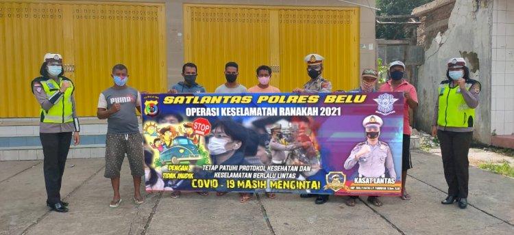 Ops Keselamatan 2021,  Sat Lantas Polres Belu Turun ke Jalan Ajak Masyarakat Patuh Berlalu Lintas dan Disiplin Prokes