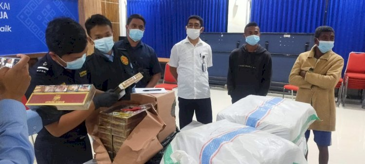 Sat Pol Airud Polres Belu Amankan Perahu Pengangkut 20 Koli Rokok ke Timor Leste