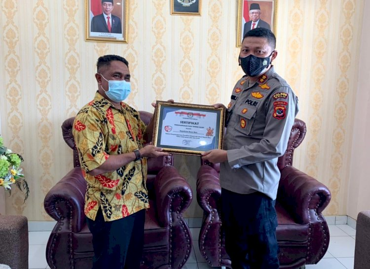 Apresiasi Pilkada Berjalan Luber dan Jurdil, KPU beri Penghargaan kepada Polres Belu