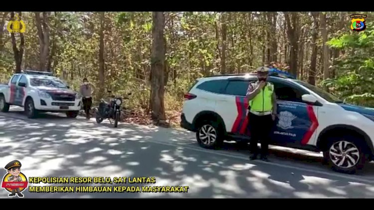 Video: Penling PPKM di Batas Kota, Sat Lantas Polres Belu Ajak Masyarakat Sadar Prokes dan Tertib Berkendara