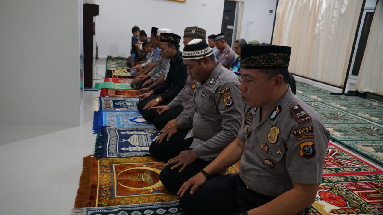 Anggota Muslim Polres Belu Gelar Zikir dan Doa untuk Anggota Yang Bertugas di Jakarta