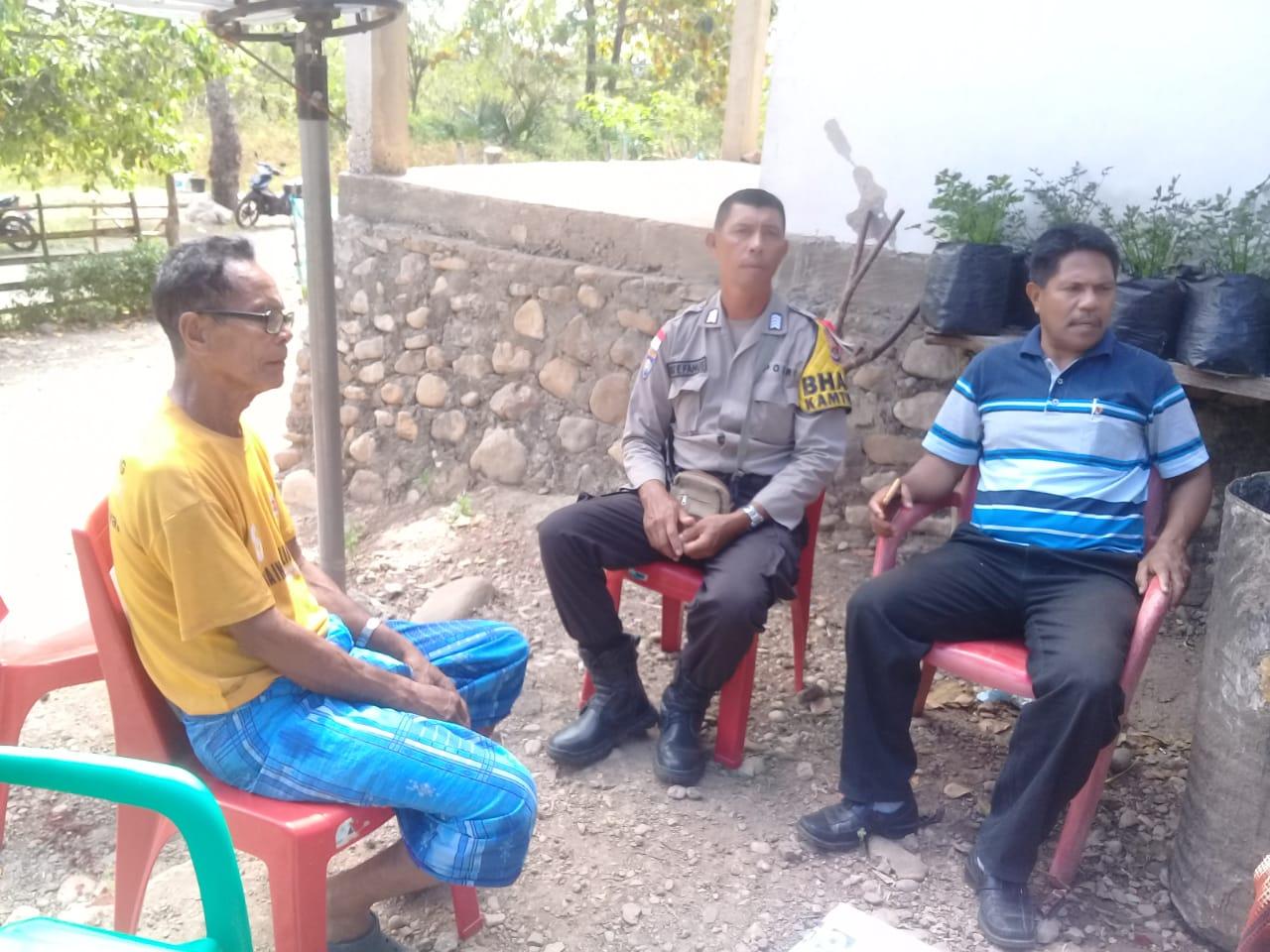 Bhabinkamtibmas Umanen Polres Belu Mediasi Kasus Perkelahian Kakak Beradik