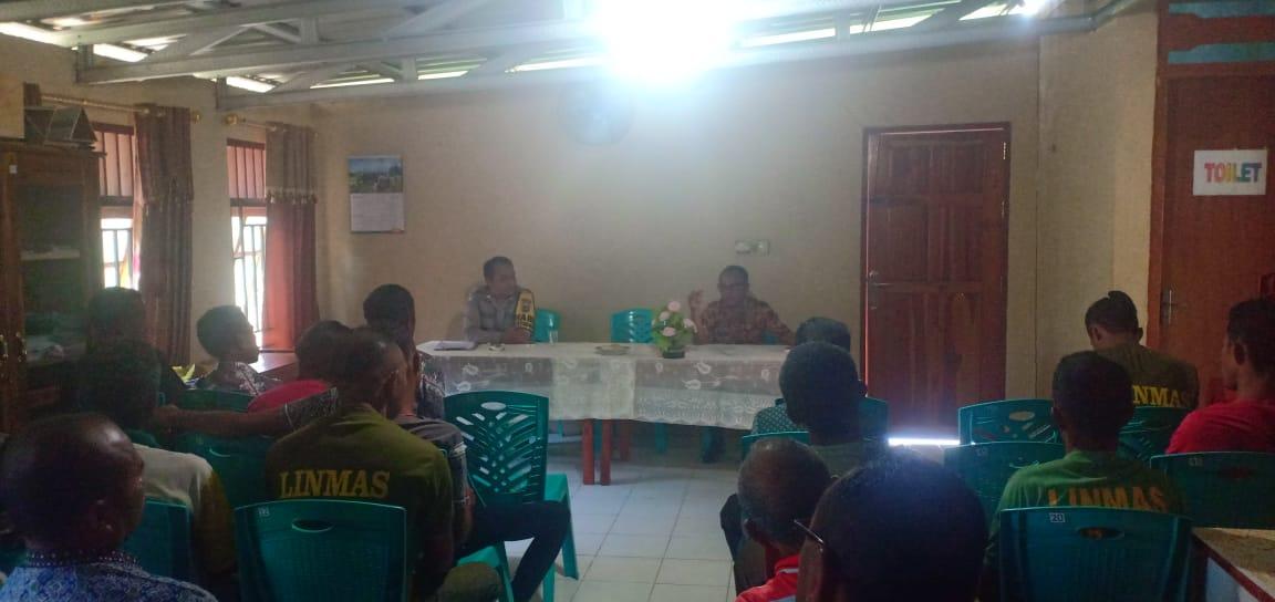 Bhabinkamtibmas desa Naitimu Dukung Wacana Hidupkan Kembali Pos Kamling