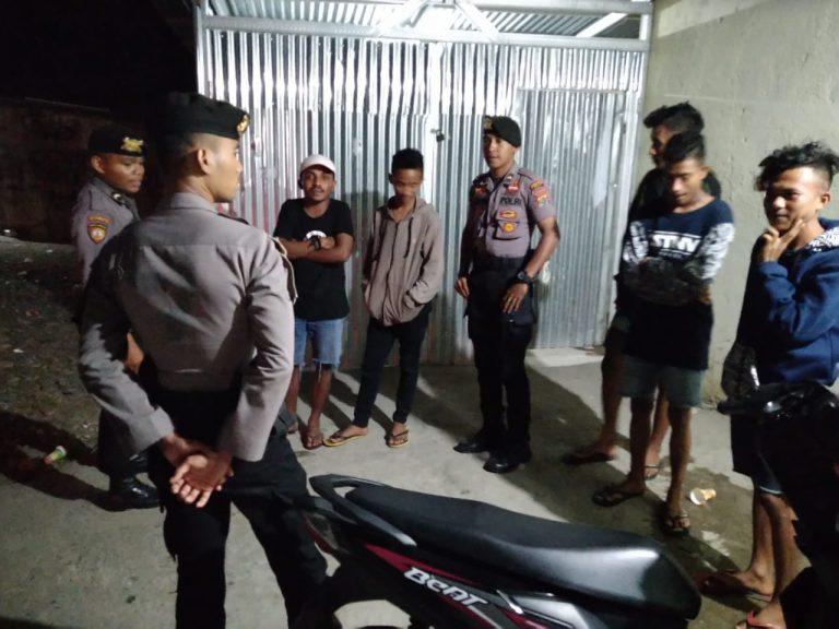 Unit Dalmas Polres Belu Bubarkan Paksa Anak Muda yang Nongkrong Jauh Malam