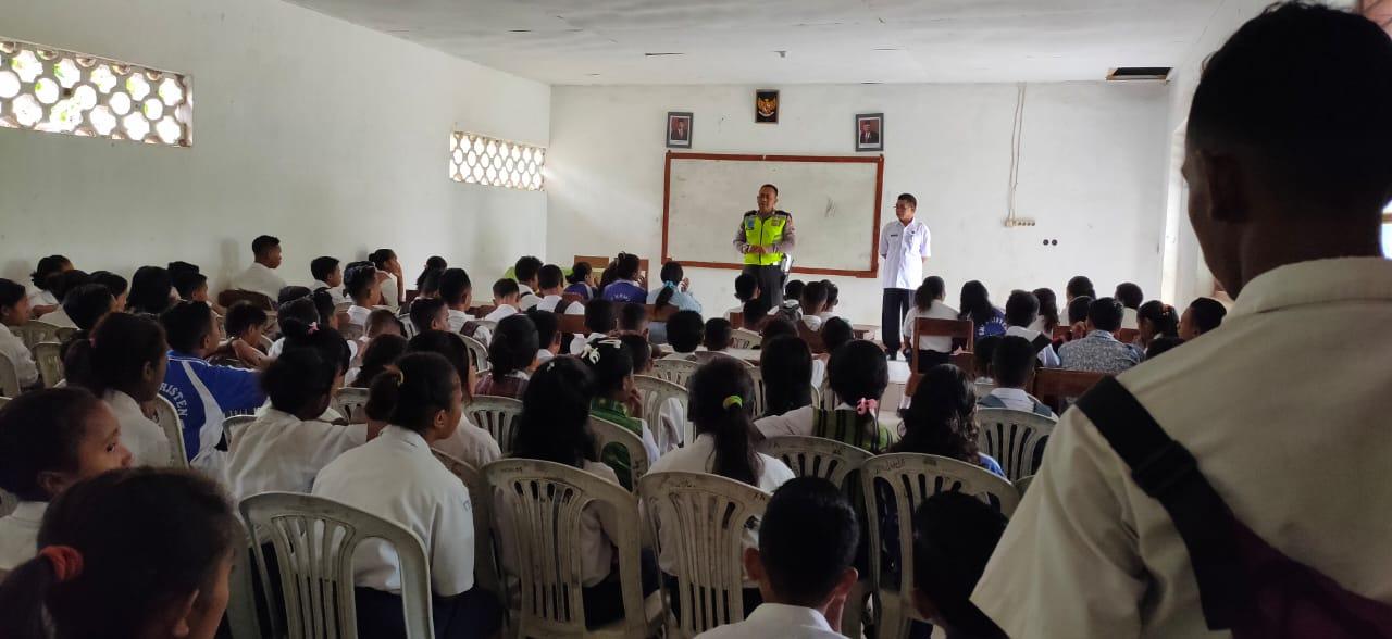 Police Goes to School, Upaya Sat Lantas Polres Belu Ajak Pelajar SMP Kristen Tertib Berlalu Lintas
