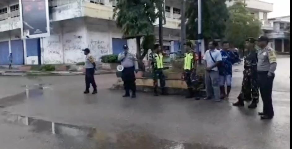 Video:Bhabinkamtibmas Polres Belu bersama Babinsa Imbau Warga Atambua Lakukan ini Cegah Penularan Virus Corona