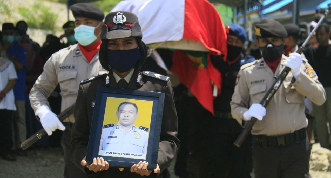 Polres Belu Berduka:Kanit Pam Obvit, AIPDA Syukur Sulaiman Dimakamkan Secara Kedinasan Polri